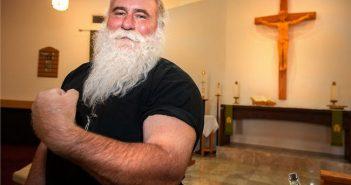 Μαθήματα ορθόδοξης γυμναστικής ξεκινάει η Εκκλησία μετά την απαγόρευση της γιόγκα (ΦΩΤΟ)