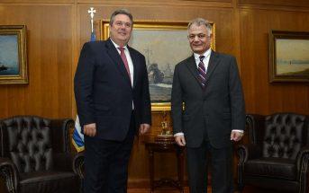 Σε ειδική τελετή στο Πεντάγωνο, ο υπουργός ΥΕΘΑ απένειμε τον τιμητικό βαθμό στον νέο Διευθυντή της ΕΡΤ με αφορμή την επαναλειτουργία του κρατικού καναλιού