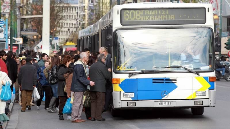 Ψεκαστήρες με αποσμητικό εγκαθιστούν τα λεωφορεία ενόψει του καλοκαιριού