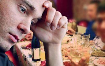 Ο 35χρονος ανησυχεί ότι μπορεί να βγει στη σύνταξη και ακόμα να τον βάζουν στο τραπέζι των παιδιών
