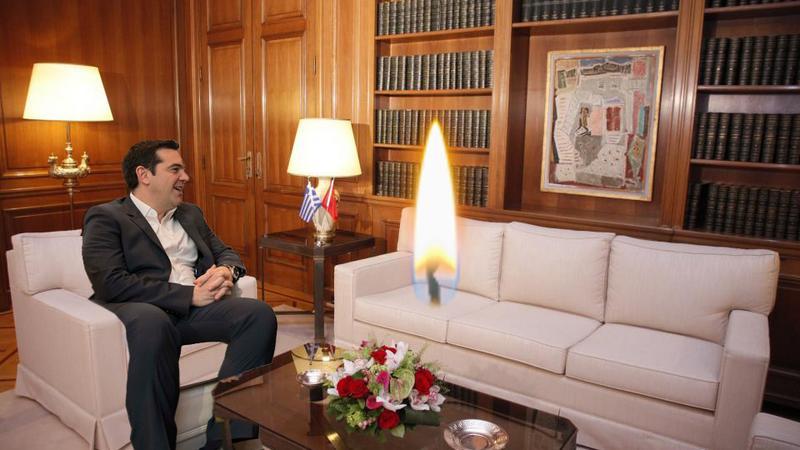 Ο πρωθυπουργός ενημέρωσε την άσβεστη φλόγα της Ορθοδοξίας για τις πρόσφατες εξελίξεις στις διαπραγματεύσεις