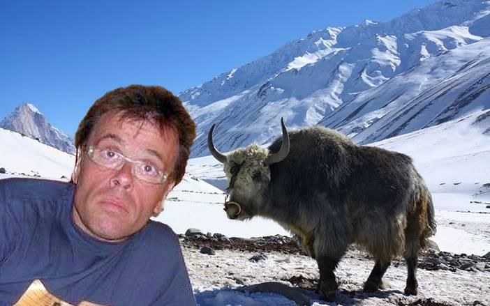 Ο παρουσιαστής παραδέχτηκε ότι δεν ξέρει πως ακριβώς βρέθηκε στα χιονισμένα βουνά του Νεπάλ