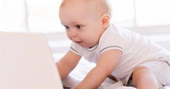 ΑΠΙΣΤΕΥΤΟ: Μωρό έστειλε μόνο του τις προσκλήσεις για τη βάφτιση του