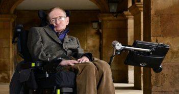 """Στίβεν Χόκινγκ: """"Ειλικρινά δεν ξέρω που πάνε τα καπάκια από τα τάπερ"""""""