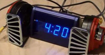 Ξυπνητήρι με τη φωνή του Κώστα Πρέκα έφτιαξαν δυο φοιτητές