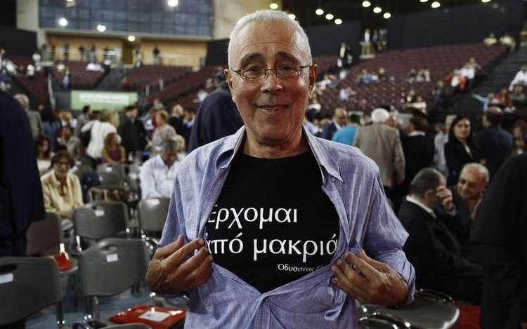 Μόνο στα αρχαία ελληνικά θα κάνει δηλώσεις ο Κώστας Ζουράρις μετά από εντολή του Αλέξη Τσίπρα