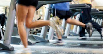 ΣΟΚ: Πελάτες γυμναστηρίου που έκαναν διάδρομο εκτινάχθηκαν από τζαμαρία εξαιτίας ξαφνικής διακοπής ρεύματος