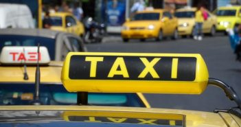 Κατακόρυφη πτώση του δείκτη νοημοσύνης των Αθηναίων εξαιτίας της απεργίας των ταξί
