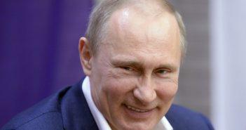 Οριακή επανεκλογή Πούτιν με ποσοστό 99%